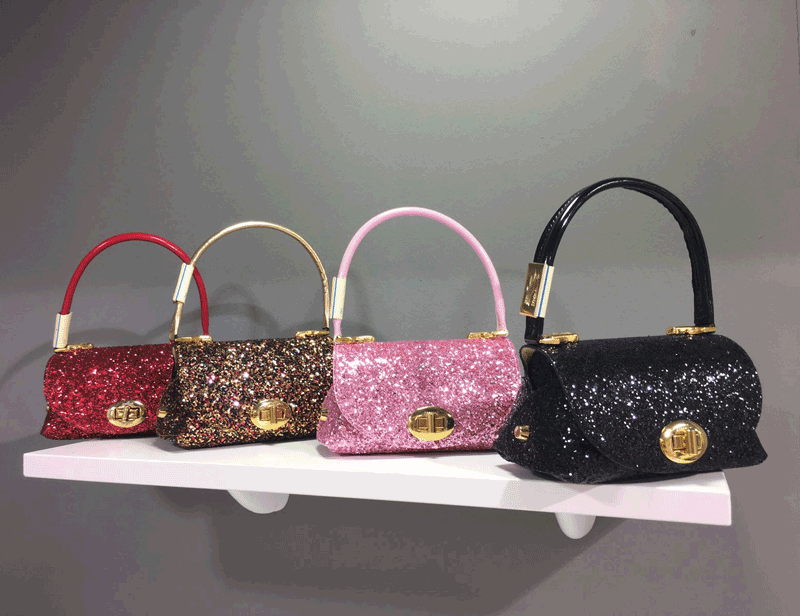 The handbags and the most beautiful accessories for children